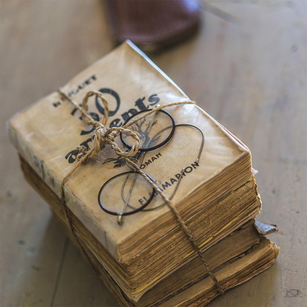 Domaine des Carriers - photos vieux livres